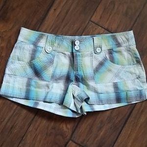 NWOT jrs shorts.